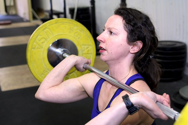 Woman doing front squat