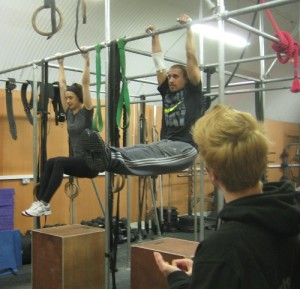 Increase strength of pull ups by visualising the muscles working
